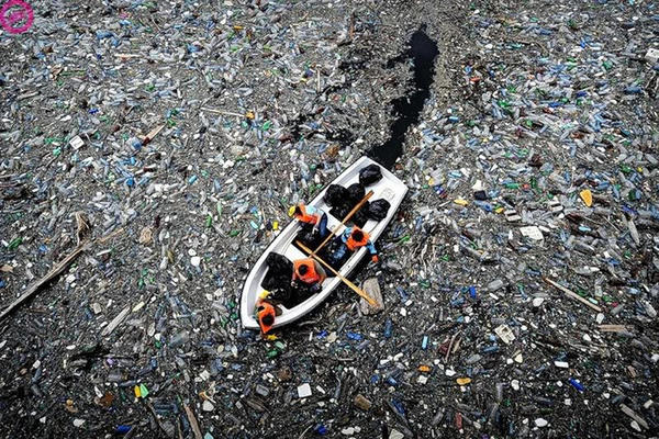 A ilha de lixo do Pacífico já tem três vezes o tamanho da França