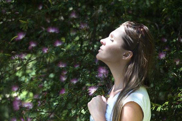 Sabias que os seres humanos, respiramos mais forte por um buraco do nariz do que o outro?